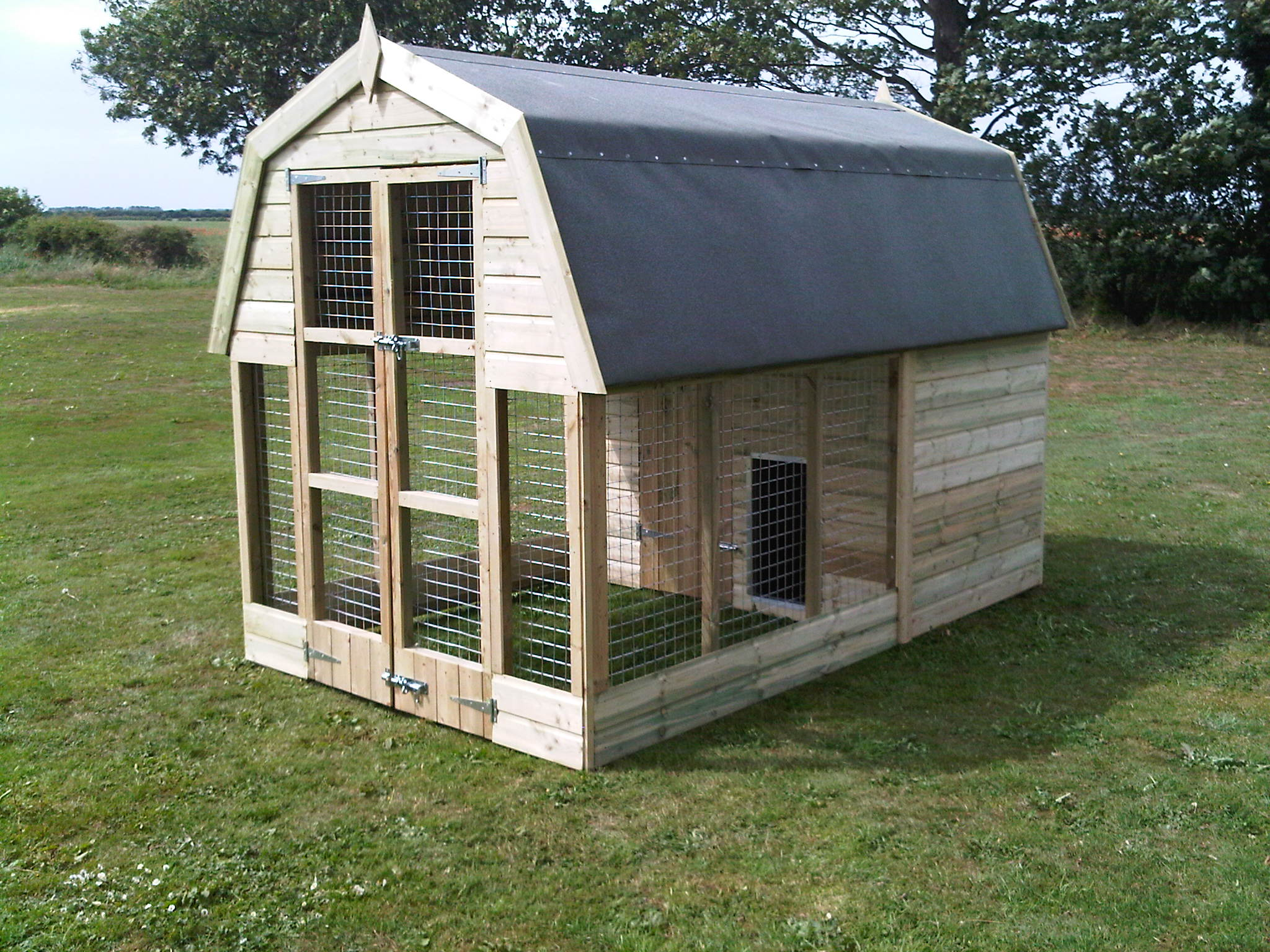 Dutch barn dog kennel Home run architecture