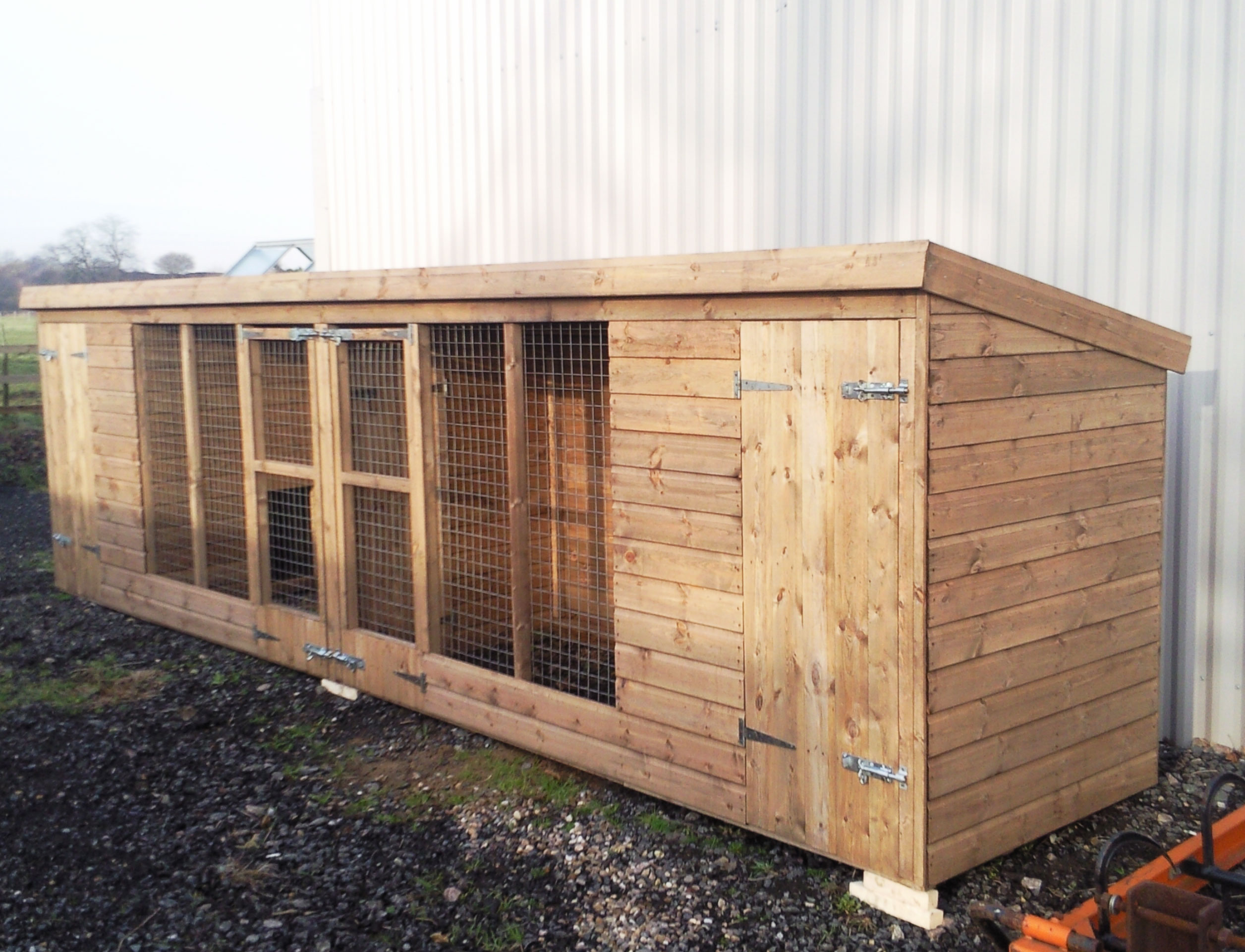 the frampton double dog kennel